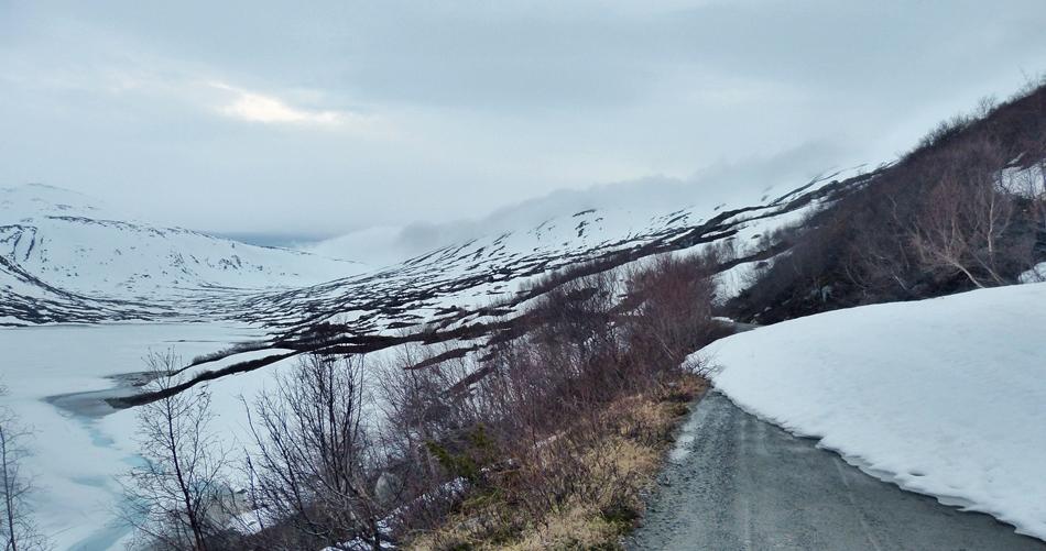 Heillstuguvatnet mot Strynsfjellet  09.06.15